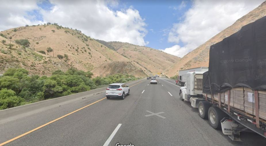 I5 freeway past Fort Tejon2